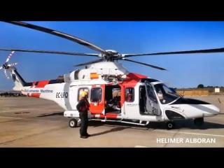 Медицинская эвакуация члена команды ирландского военного корабля William Butler Yeats при помощи вертолёта