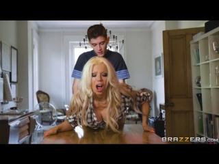 Barbie sins &  jordi - the whore & her chores порно шикарной стройной блондинки с чуваком своей подруги