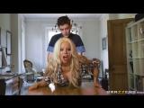 Barbie Sins &amp  Jordi - The Whore &amp Her Chores Порно шикарной стройной блондинки с чуваком своей подруги