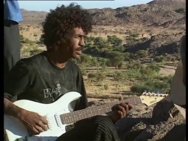 Teshumara (Tinariwen) - гитары восстания туарегов (русская озвучка)