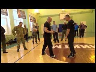 Съем ударов ногами на скорости. Работа ногами. Русский рукопашный бой - стиль Соловьёва.