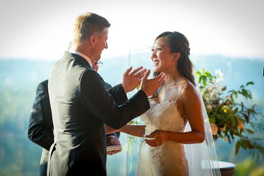 e AUdP7mmnU - Ее интересовали расценки на услуги свадебных ведущих... (25 фото)