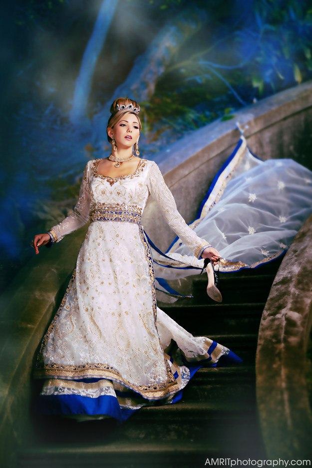 Реальные свадебные платья принцесс Уолта Диснея (9 фото) Ведущий на мероприятие Волгограда, тамада на юбилей и свадьбу. Историк свадебной моды. Павел Июльский.