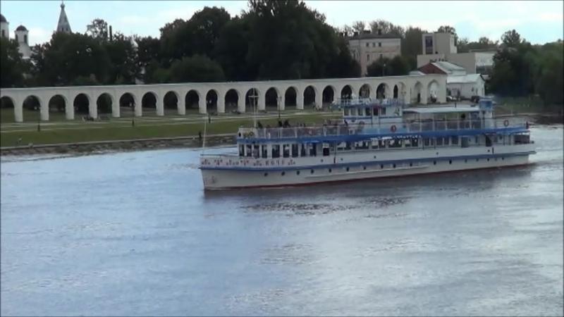 Мой фильм -река Волхов ,пешеходный мост -., г. Великий Новгород 24.07.17 г.
