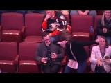 Эпичная танцевальная битва в перерыве матча НХЛ (приколы топ юмор)