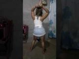 Dudinha dançando