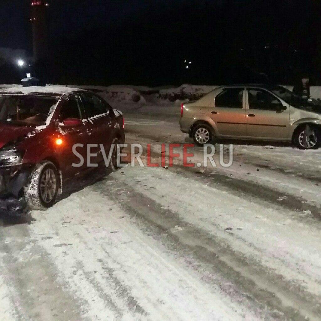 ДТП с участием двух автомобилей произошло на перекрестке ул.Сивко