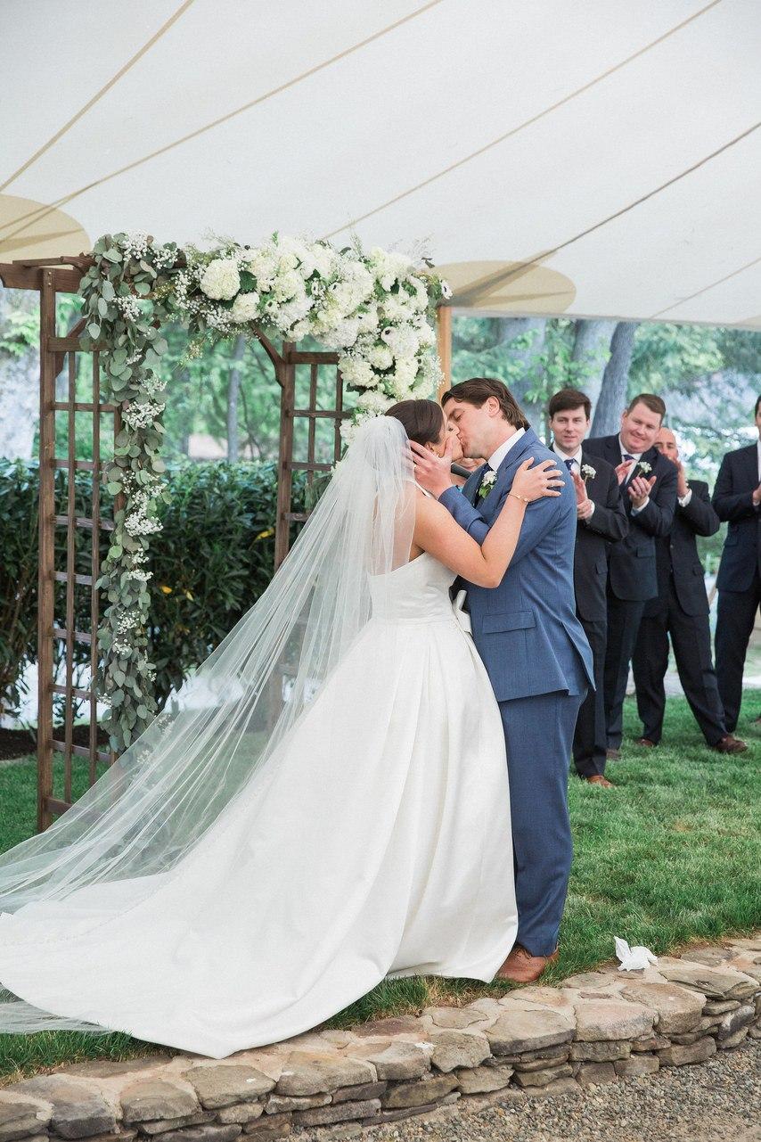 jovaaw3YTKs - Свадьба Томаса и Абигель (25 фото)