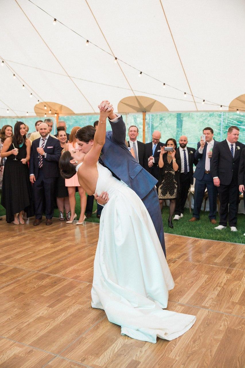 iLRUG6jixPc - Свадьба Томаса и Абигель (25 фото)