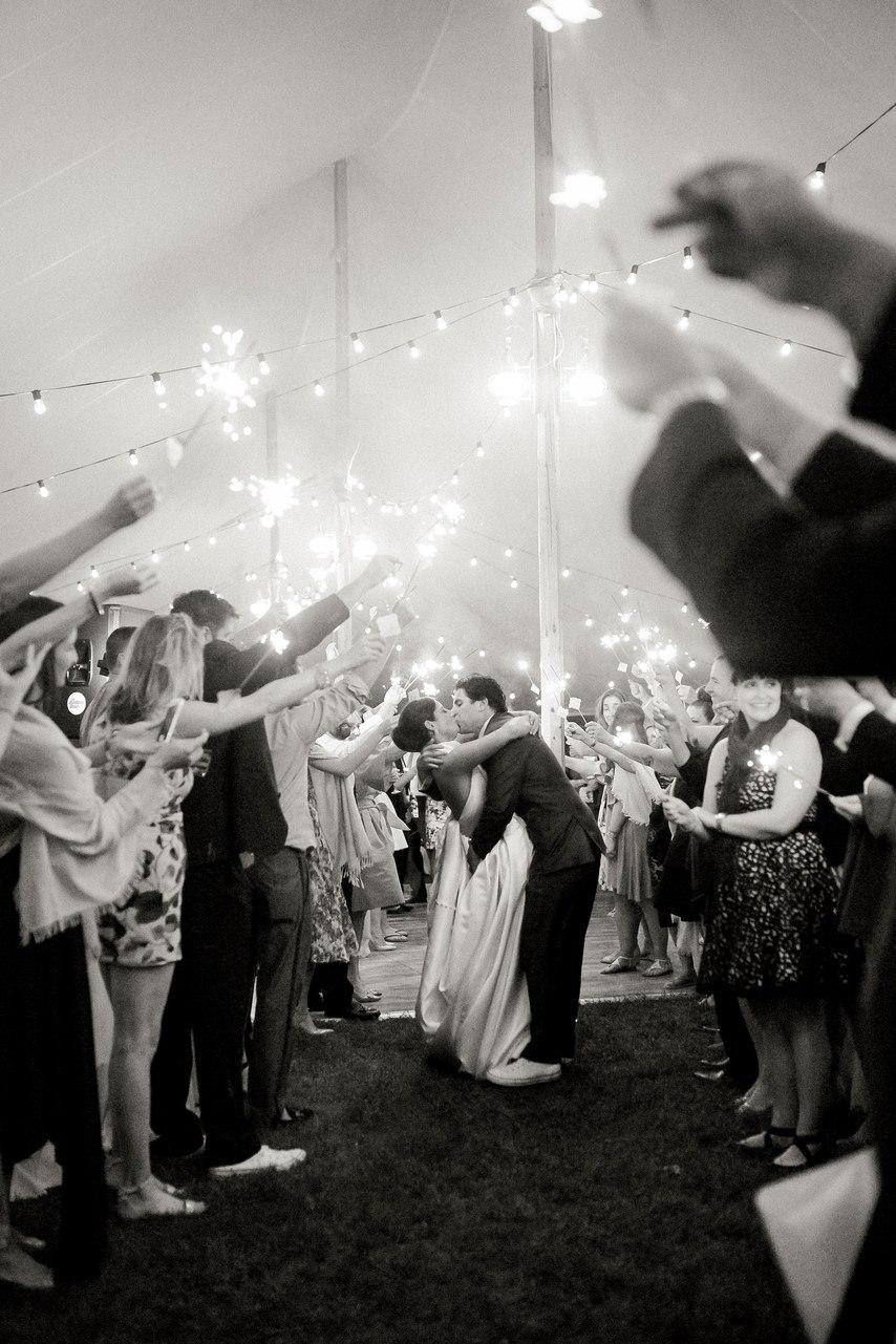 RMz796CJyuw - Свадьба Томаса и Абигель (25 фото)