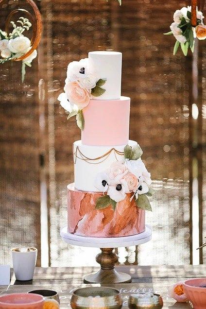 Прежде чем заказать на свадьбу лучшего ведущего, закажите на свадьбу торт (80 фото). Лучшие весенние свадебные торты 2017-2018