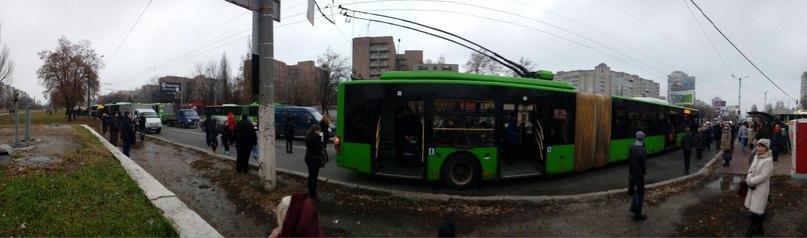 На Салтівці зупинилися тролейбуси - фото 1