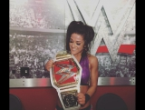 Бэйли победила Шарлотт Флэр и стала новой женской чемпионкой RAW