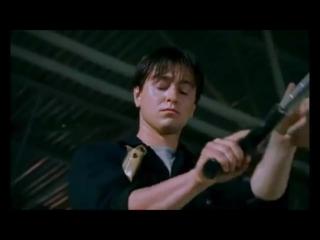 Клип из фильма бригады. Под музыку краски--он не знает не чего.