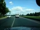 маленьк.ая авария на дороге.