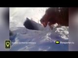 Тёлки в дырку_ коровы исчезают в снежной норе в Казахстане_снегопад в апреле 2017