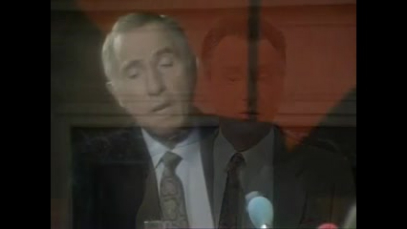 Да, господин премьер-министр Сезон 2 (8) Запутанный клубок