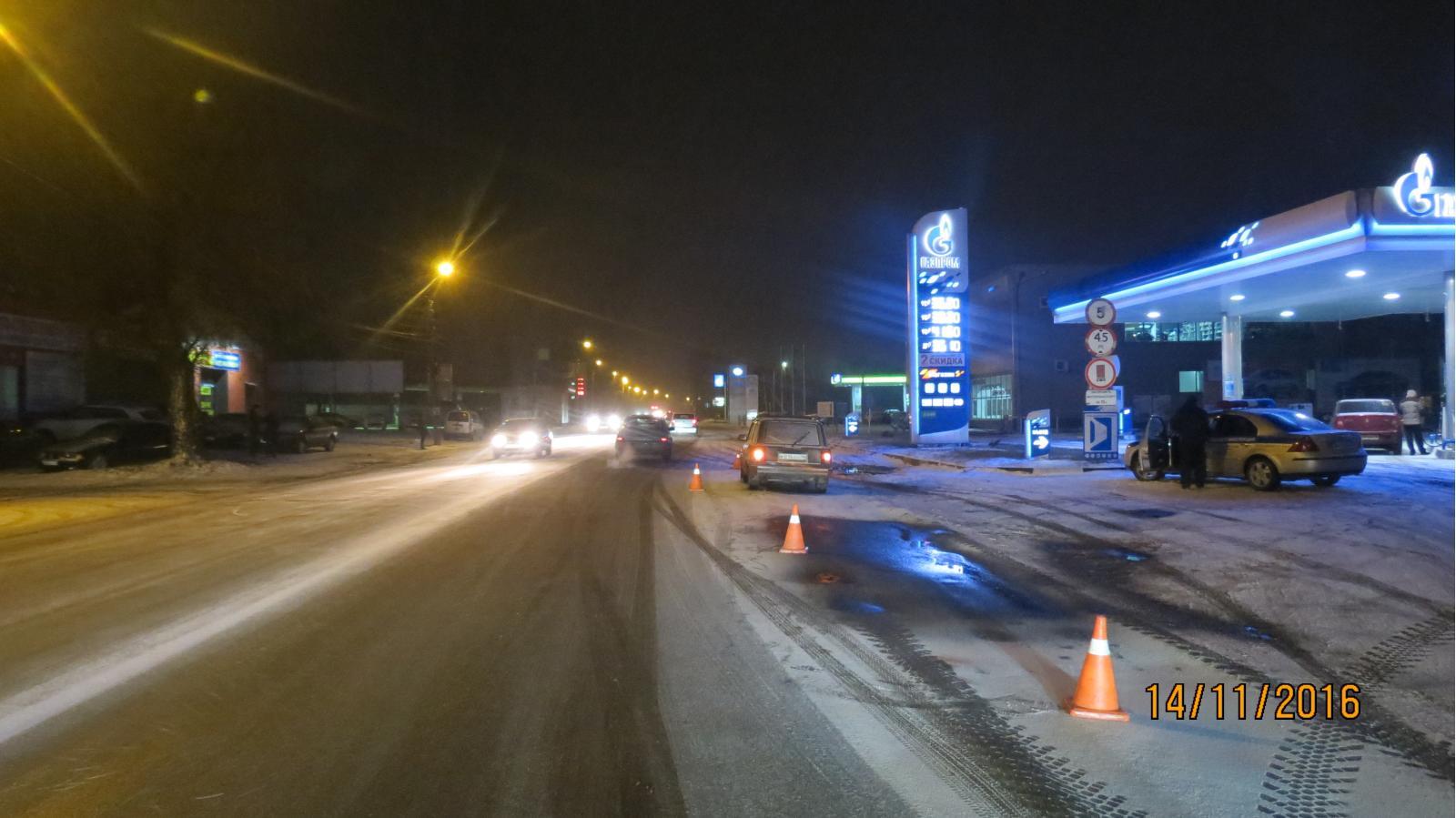 ВКурске семья, перебегая дорогу внеположенном месте, угодила под машину