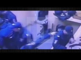 Видеонаблюдения в отделе !Росгвардии полиции,пытались скрыть убийство сотрудника Подробности