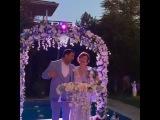 Свадьба Ясемин из сериала Любовь напрокат 53 серия.. поёт со своим мужем турецкую ...