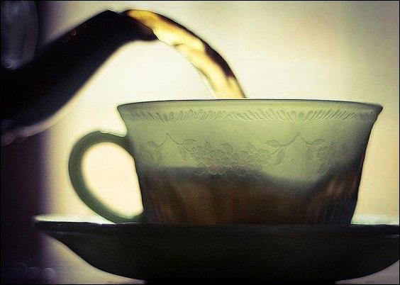 Чай до еды или после едыБольшинство из нас сопровождает свою трапезу