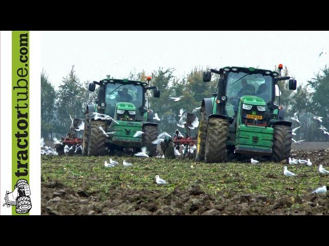 2 John Deere 6210R pfluegen jeweils mit 5 Schar-Kverneland-Pflug