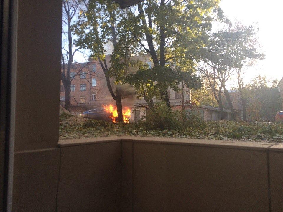 Харьковчане сообщают о массовых поджогах автомобилей (ФОТО)