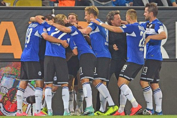 Айнтрахт Бр - Динамо Дрезден смотреть онлайн 08 апреля 2018