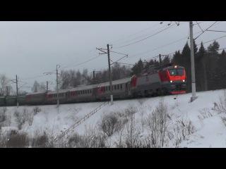 """Электровоз ЭП20-053 с фирменным поездом """"Полонез"""""""