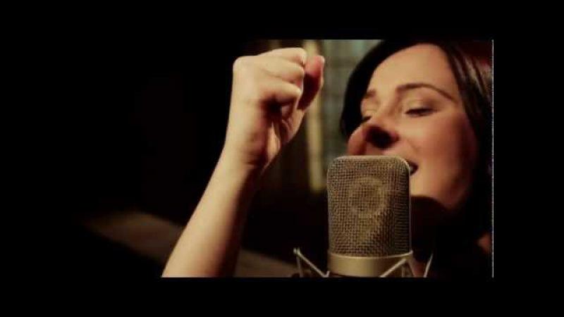 Fernanda Lara HD Eu tenho que orar CLIP MUSICAL DVD Magnífico Deus