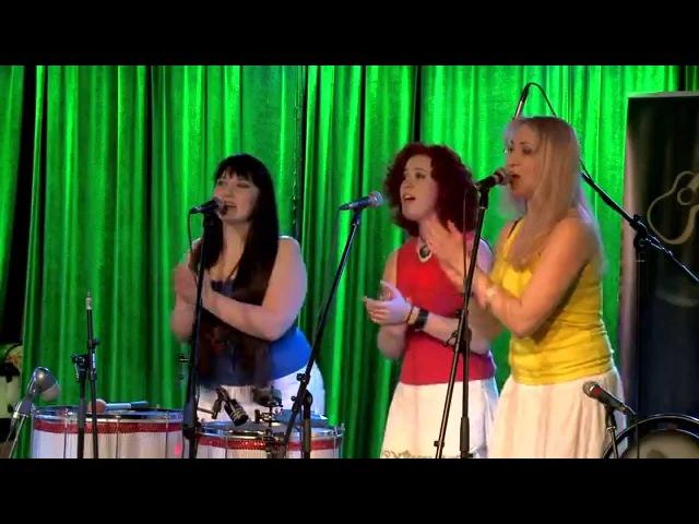 Tambores - Dona Mariquinha Live