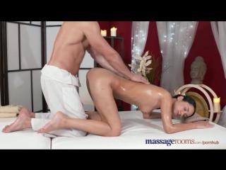Видео порно казашки массаж фото 762-597