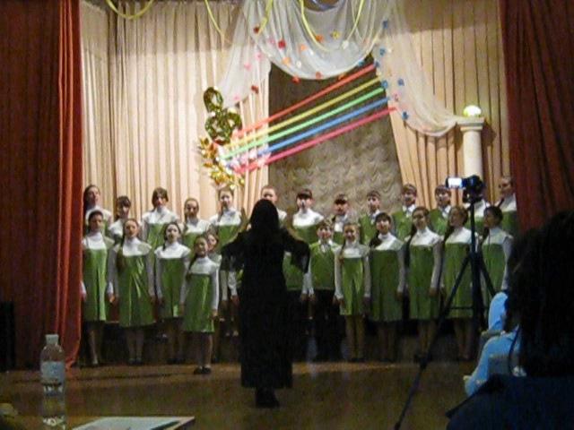 Выстуапление хора Дергачевской ДМШ на конкурсе 2014 р