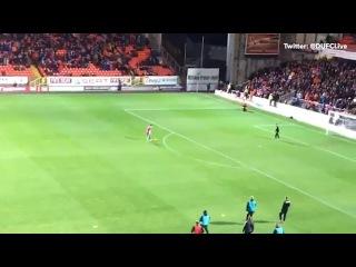 One-Legged Dundee United Fan score a worldy at Tannadice