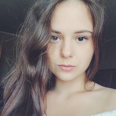 Таня Печникова