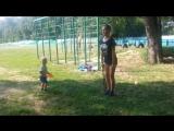 Люблю такой стиль тренировок: мамочка с ребенком- это же так прекрасно!
