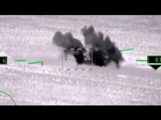 Российская авиация уничтожила 32 пикапа и более 120 членов ИГ
