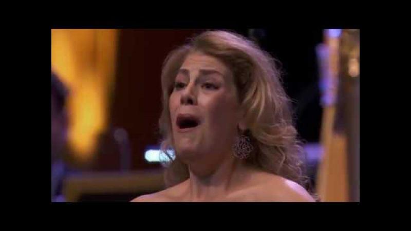 Bellini - Norma - Casta Diva - Sondra Radvanovsky