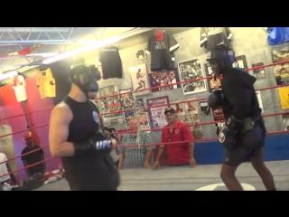 Спарринг 15 летнего чемпиона в любителях по боксу с бойцом ММА