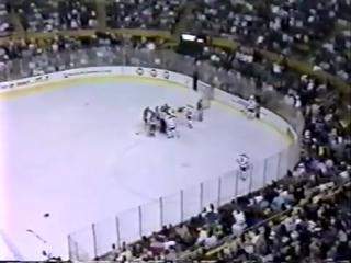 Самая страшная травма в истории хоккея. (Клинт Маларчук/Clint Malarchuk) 18+