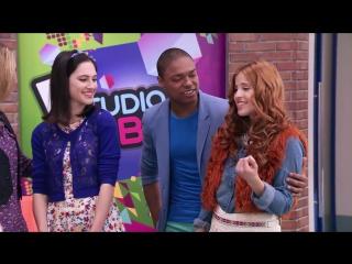 Violetta_ Momento Musical_ Angie y los chicos interpretan Ven y canta