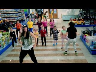 Вот как танцуют дети на мастер-классах Zumba в Детском мире!