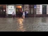 Чернвц затопила злива