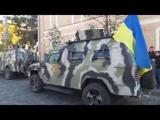 Харьков оккупированный Бронетехника на площади Свободы с крестом