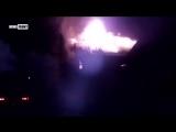 Вечер, 17 июля Прямое попадание снаряда #ВСУ в дом в Донецке. Второй этаж дома полностью сгорел. Хорошо, что в доме никого не бы