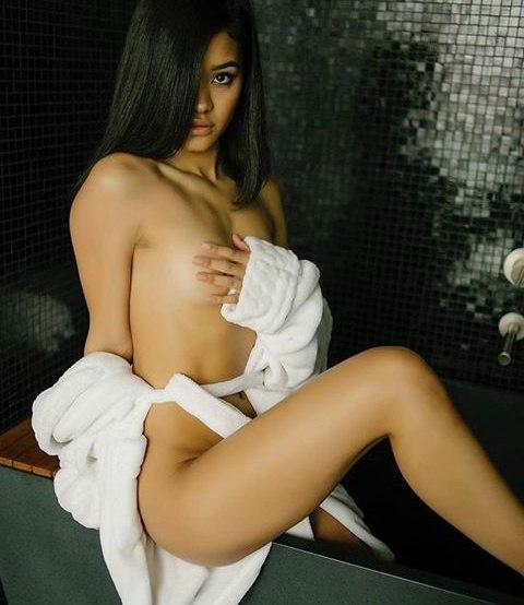 Reife lesbische Dame verfhrt in Sex