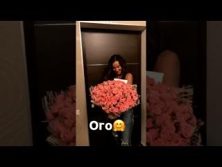 Ольге Бузовой поклонник прислал цветы
