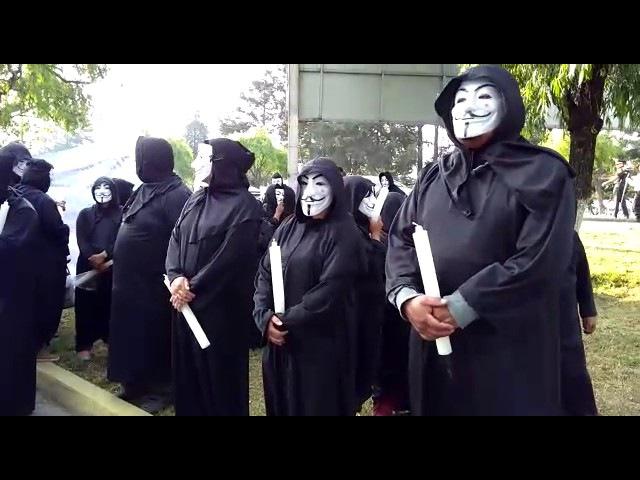 Simpatizantes de Anonymous protestan en IEEM