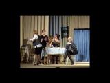 Авторы ролика Петухова Марина и Китнаут А., использована песня