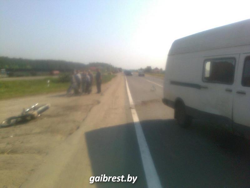 В Ольшанах неопытный мотоциклист и его пассажир пострадали в результате аварии